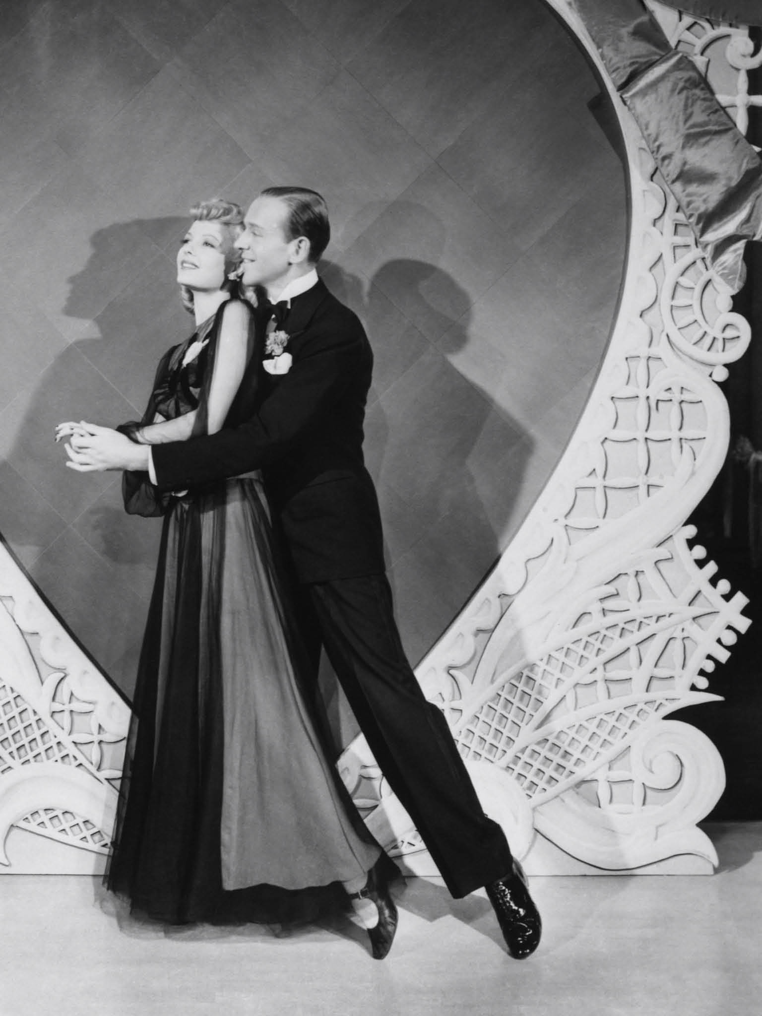 ·Original Title: HOLIDAY INN ·English Title: HOLIDAY INN ·Film Director: SANDRICH, MARK ·Year: 1942 ·Stars: ASTAIRE, FRED;REYNOLDS, MARJORIE